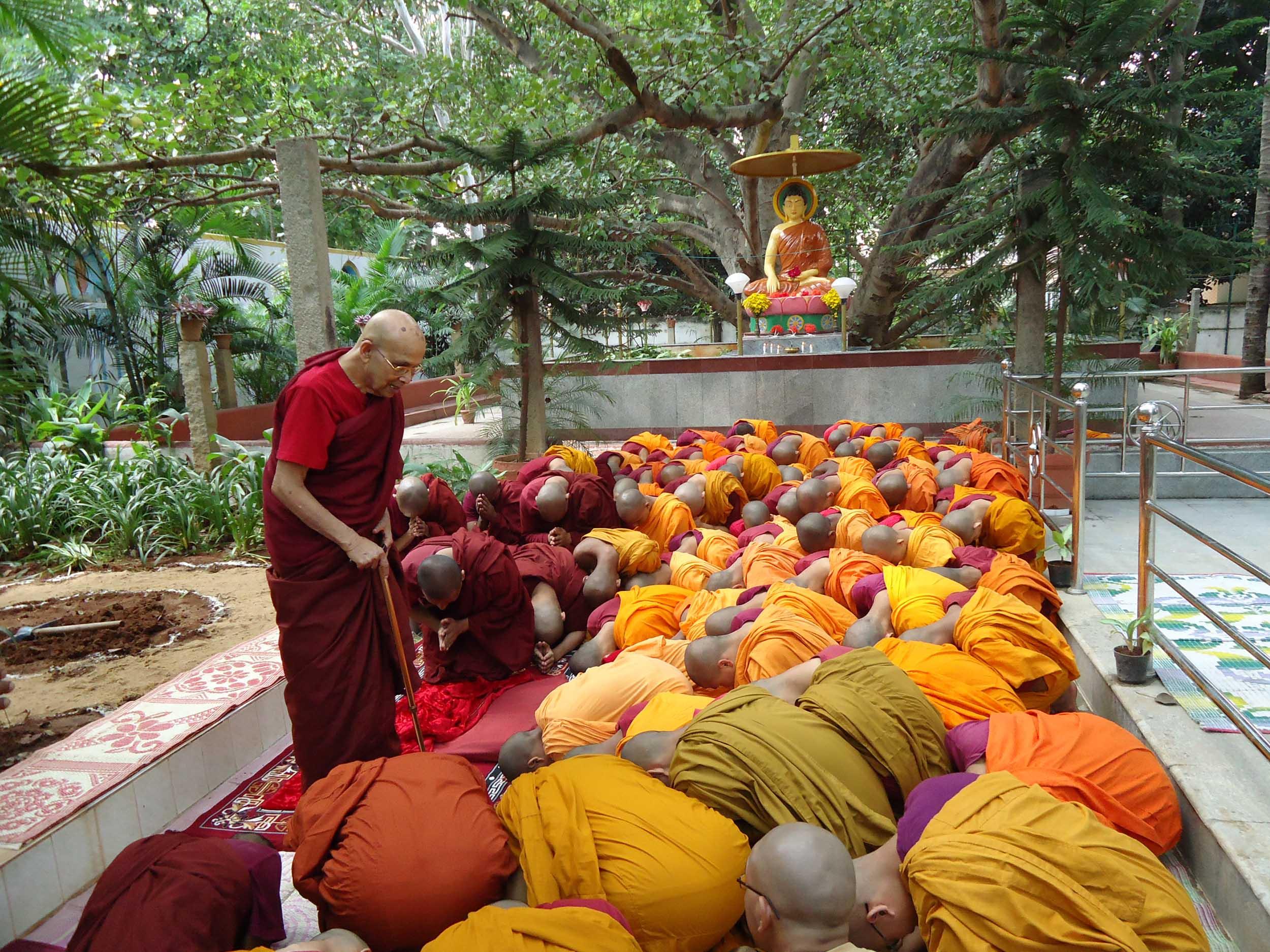 mahabodhi-monastery-blr-2012-13